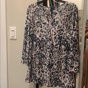 NWT, Animal print, beautiful pattern blouse 👚